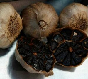 Read more about the article Superfood Schwarzer Knoblauch