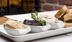 Read more about the article Tapenade aus grünen oder schwarzen Oliven