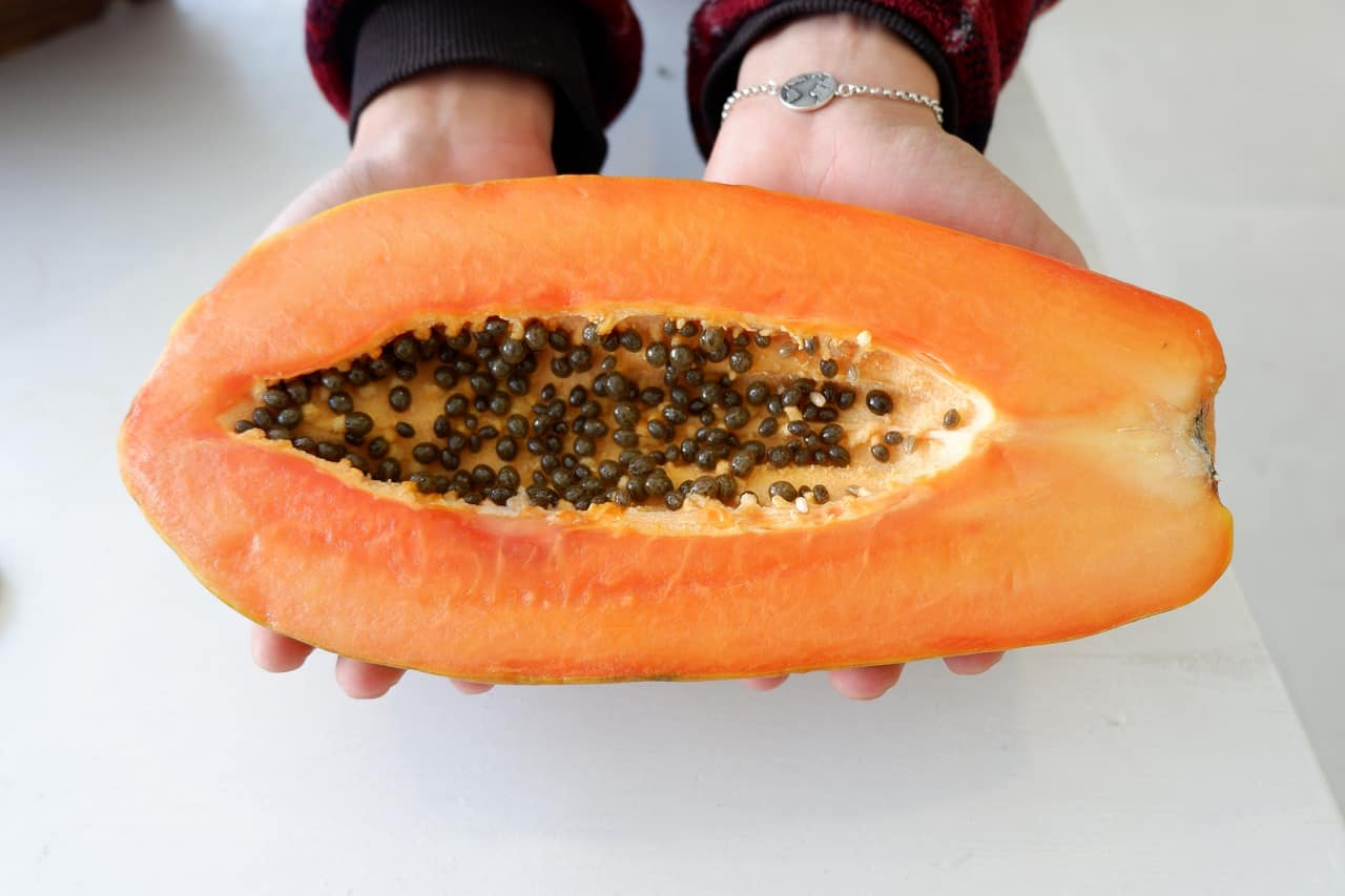 Read more about the article Papaya – die gesunde und heilkräftige Baummelone